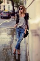 siyah deri ceket yırtık kot kadın boyfriend jeans