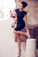 siyah elbise stiletto ayakkabı kombini