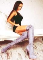 siyah kadın bluz gri uzun diz üstü süet çizme bot
