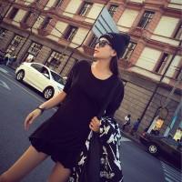 siyah kazak bere kadın şapka gözlük şort etek çanta