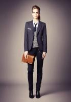 siyah kumaş pantolon füme blazer ceket taba çanta kombini