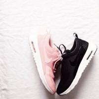 siyah pembe nike spor ayakkabı kadın