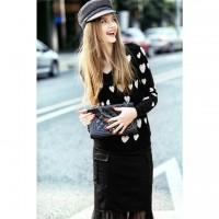siyah puanlı kazak ceket mont uzun etek gri şapka kadın