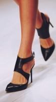 siyah sivri burunlu topuklu kadın ayakkabısı