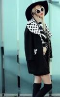 siyah uzun ceket kaban mont kadın puanlı siyah beyaz çizme bot ayakkabı