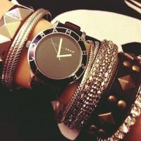 siyah zımbalı bileklik marc by marc jacobs kol saati