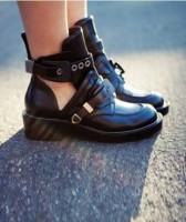 siyah zımbalı deri cut out bot boots