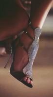 taşlı siyah topuklu kadın ayakkabısı