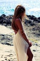 yazlık beyaz sırtı açık elbise