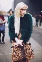 yeşil kadın kürk ceket mont leopar çanta